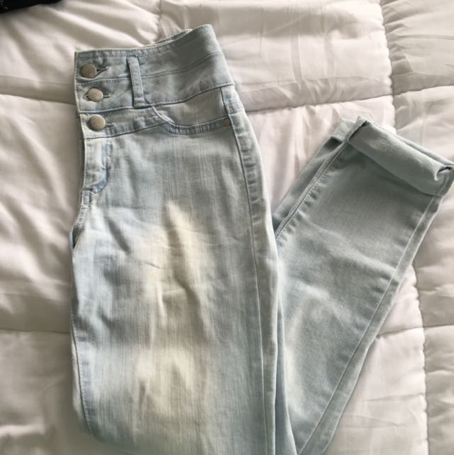 HIGH RISE ANKLE BITER JEANS