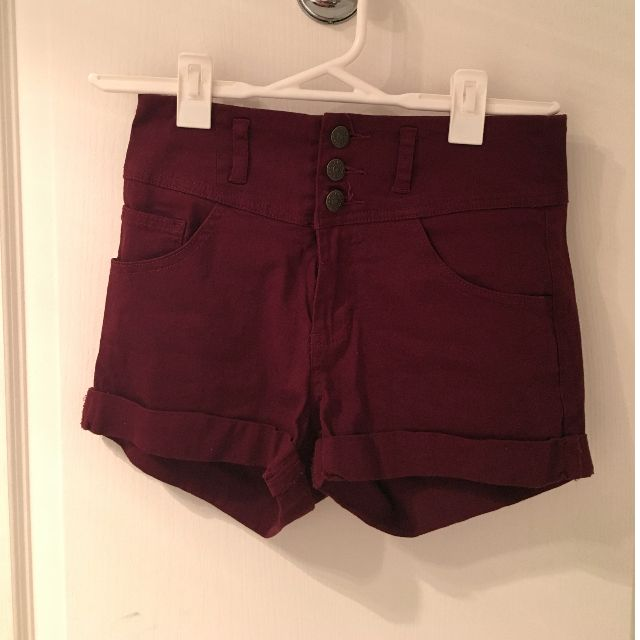 High waisted maroon shorts
