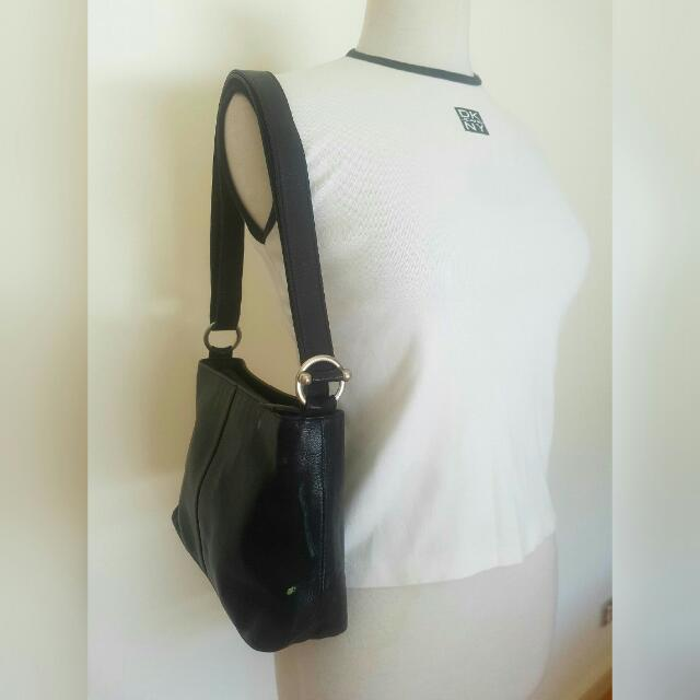 Leather Esprit Crossover Shoulder Bag Black
