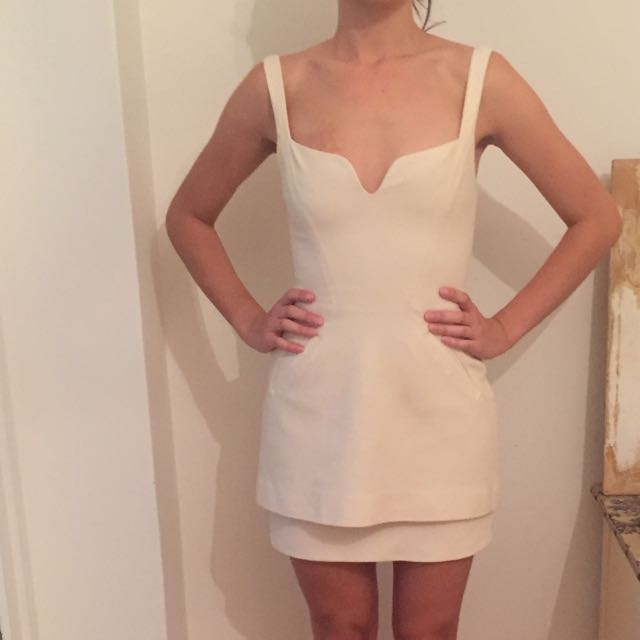 Manning Cartell Size 8 Cream Cocktail Dress
