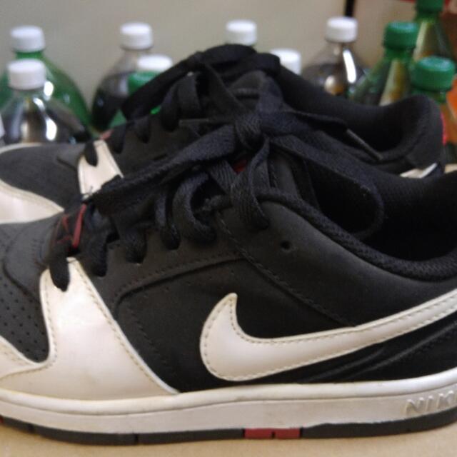 Nike Low Cut Sneakers