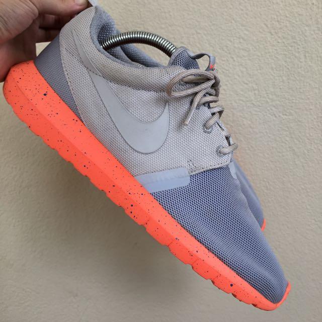 Authentic Nike Roshe Run Grey / Orange