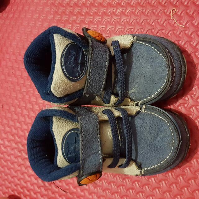 Sepatu baby millioner no 7