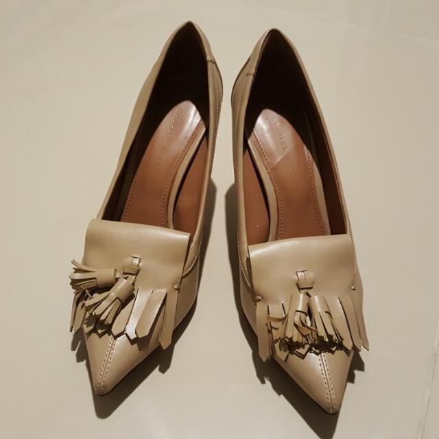 Sepatu Krem Charles & Keith Size 36