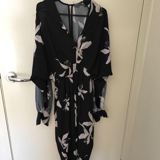 Sheike Cutout Shoulder Floral Dress