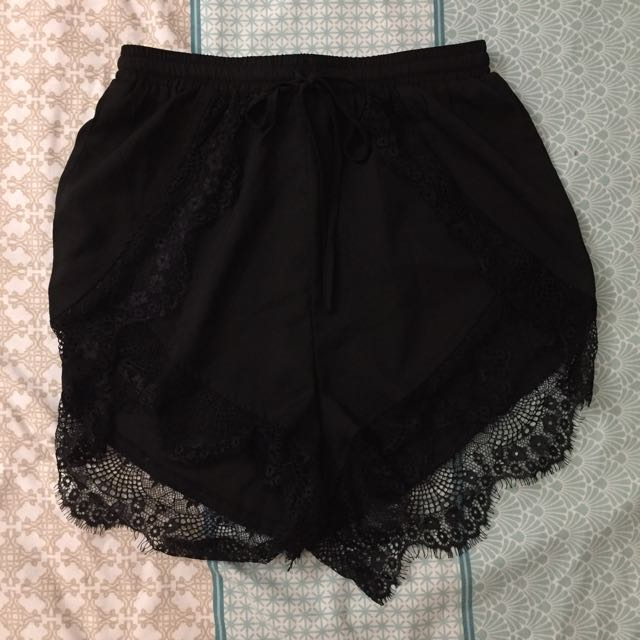 Size 8 High Waisted Lace Shorts
