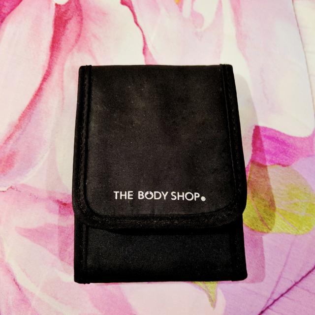 The Body Shop Travel Kit Brushes