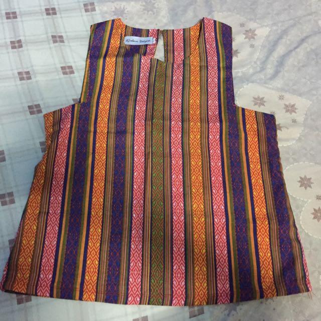 tribal unsleeve blouse