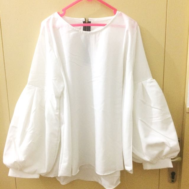 White baloon shirt unbranded