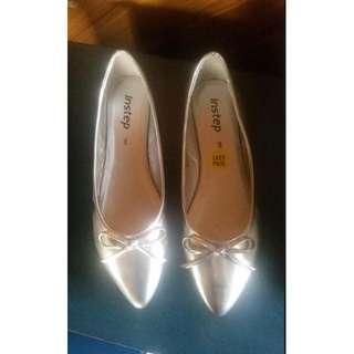 Simona Silver Instep flat shoes- Ladies size 9