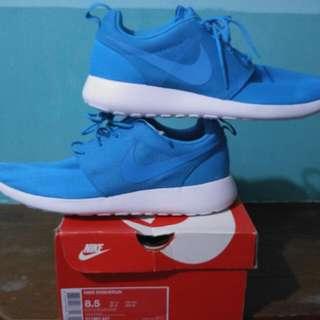 Nike Roshe Run (Authentic)