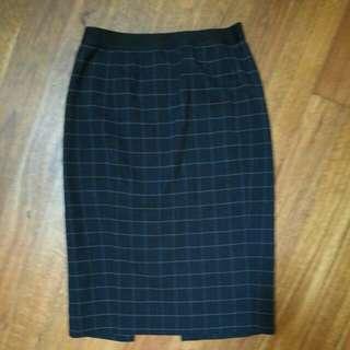 Uniqlo Midi Work Skirt