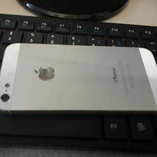 Selling Iphone 5g