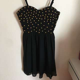 Cute Little Black Dress With Gold Detailing Size 6-8
