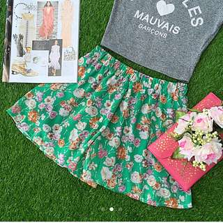 1 For $6, 2 For $10 The Editors Market Tem Floral Vintage Flare Chiffon Shorts