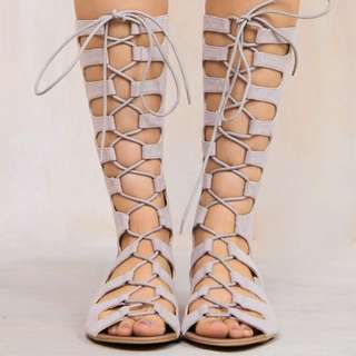 Billini Gladiator Nude Tan Sandals Beach Summer Tie Up like Windsor Smith BNWT