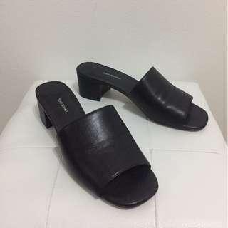 Tony Bianco Maxi Black Mules Size 7.5
