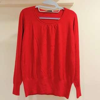 春。紅薄毛衣