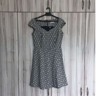 A-Line Sweetheart Dress (Kiss & Tell)