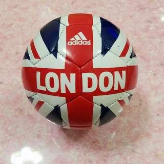 Adidas Mini 足球隊(倫敦特別版)