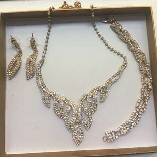 Gold & diamond necklace, bracelet and matching drop earrings