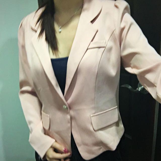 粉紅氣質薄西裝外套