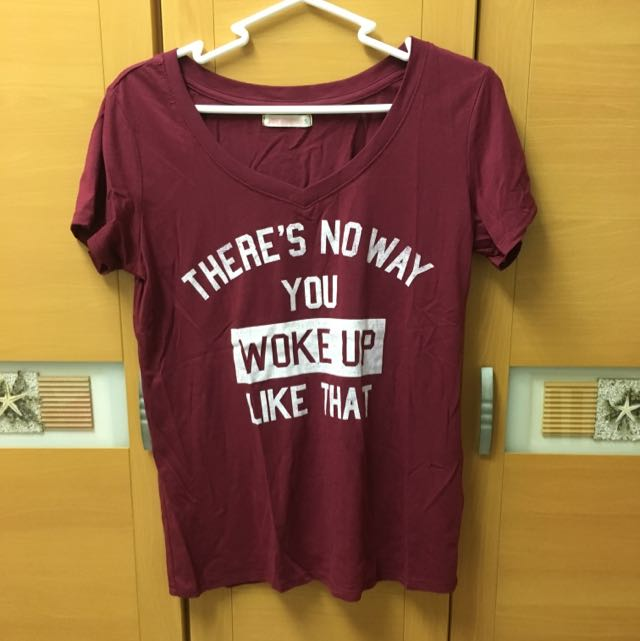 酒紅色 T-shirt 上衣(全新)