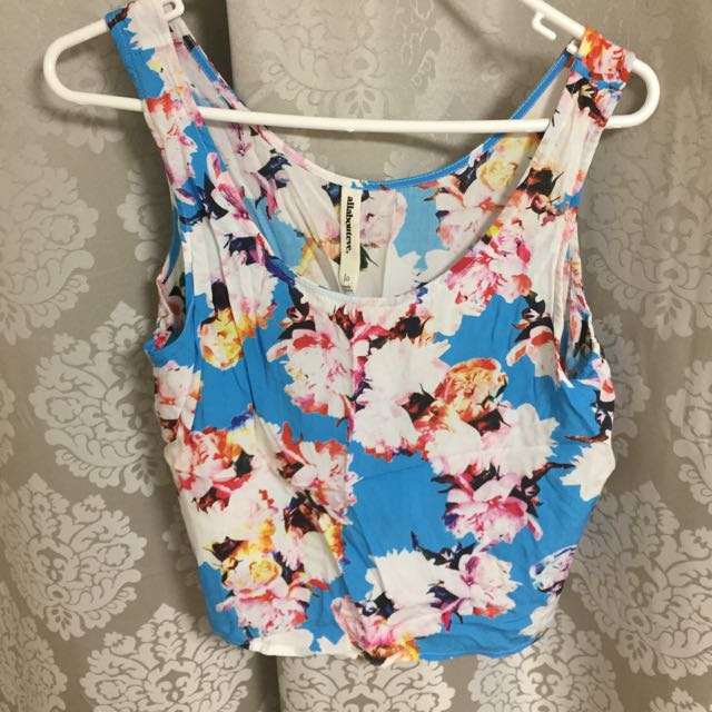 All About Eve Floral Crop