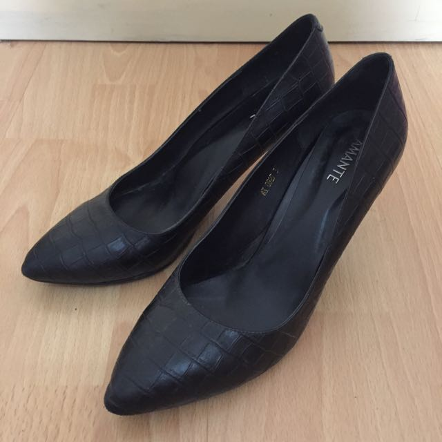 Amante Black Crocodile Heels