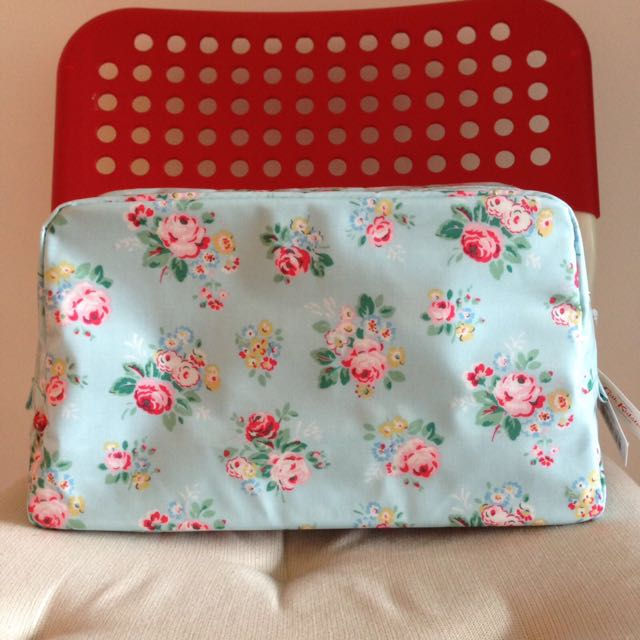 BNWT Cath Kidston Briar Rose Classic Box Wash Bag (aqua) 2