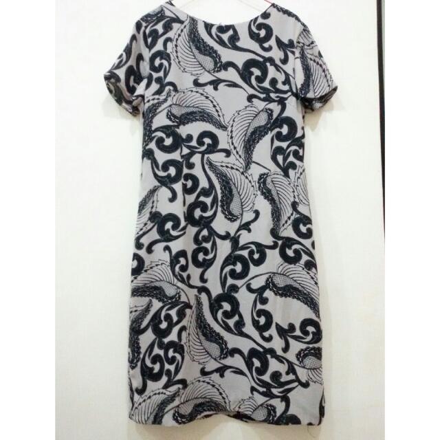 Ethnic Dress Accent