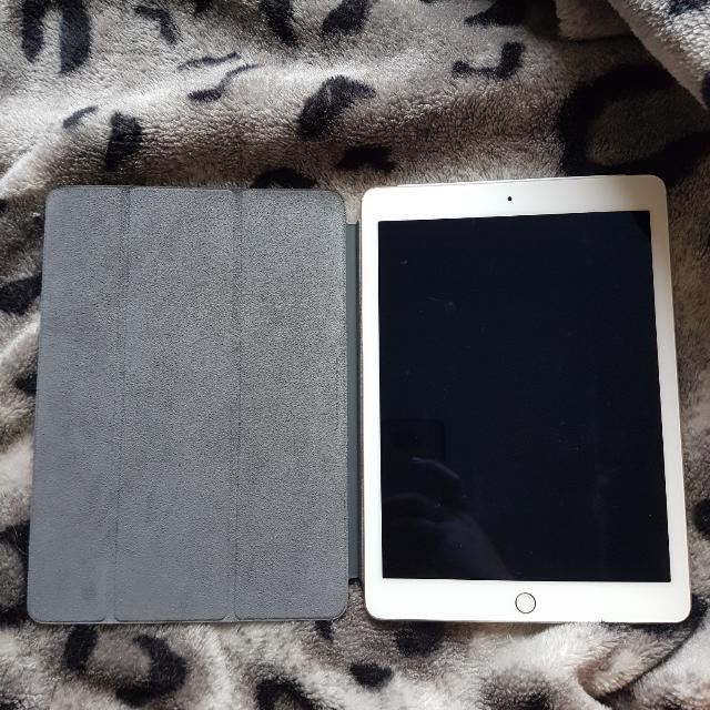 iPadAir2 + 2xCases