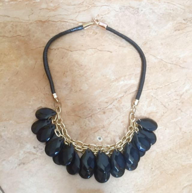 Kalung Hitam Leather (reprice)