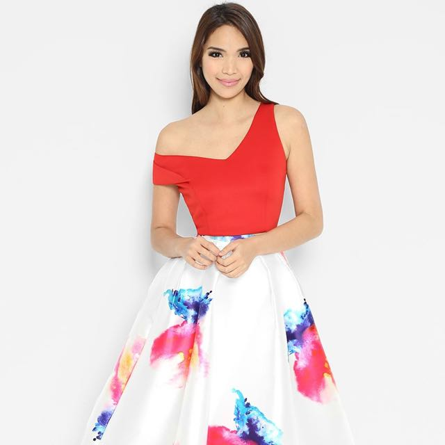 f50f1294213ec Lara-j Off Shoulder Red Crop Top In small With Exposed Gold Zipper ...