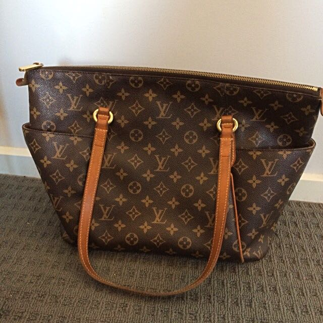 LV Monogram Canvas Totally MM Authentic
