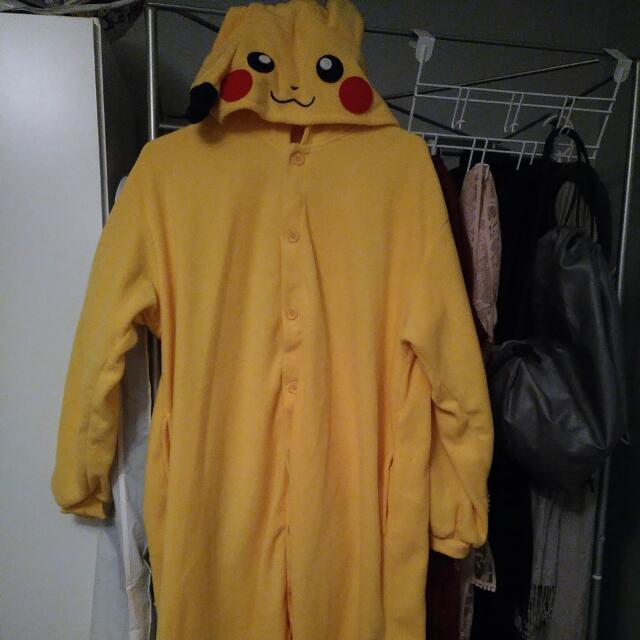 Pikachu Onesie costume XL, Never Worn