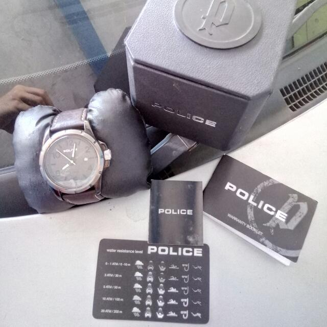 Police Lengkap