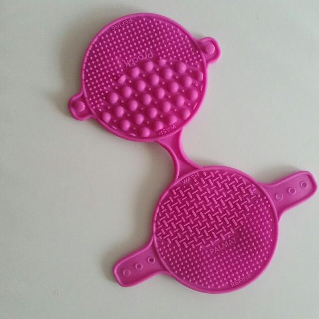 Practk Brush Cleaning Mat