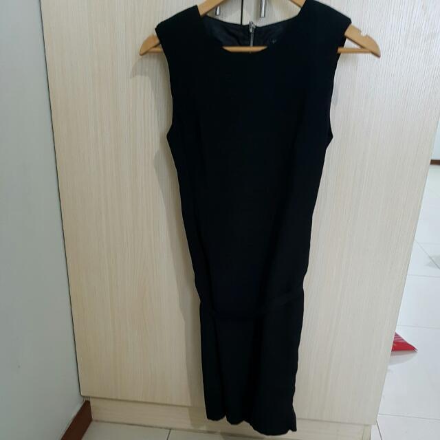 Pre-loved TOPSHOP Black Dress W/ Garter Belt