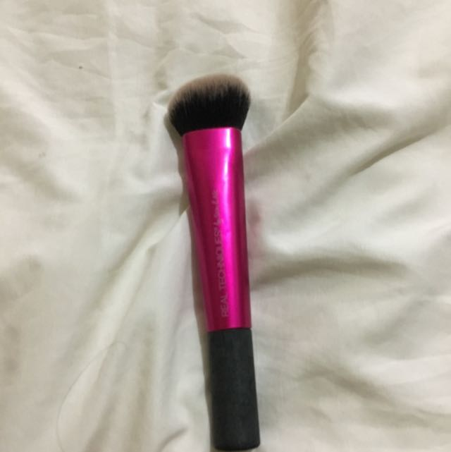 Real Techniques Brush 💯% Authentic