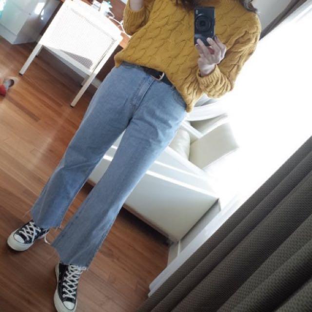 Samantha in Seoul☆淺色褲腳鬚鬚牛仔寬褲-M