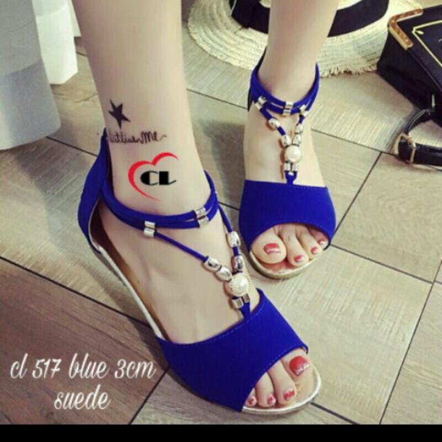 Sepatu Blue