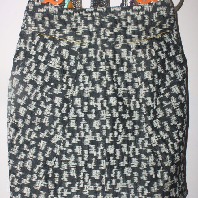 Short Span Skirt