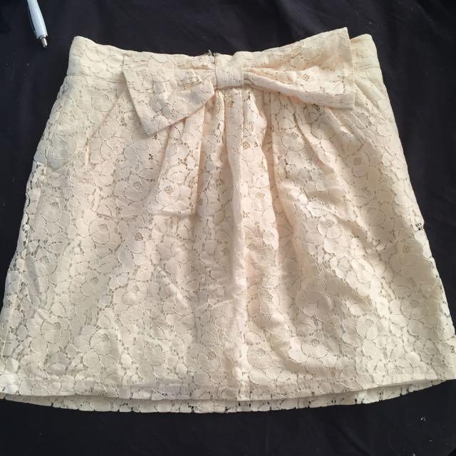 Size 10 Cream Lace Skirt BNWOT