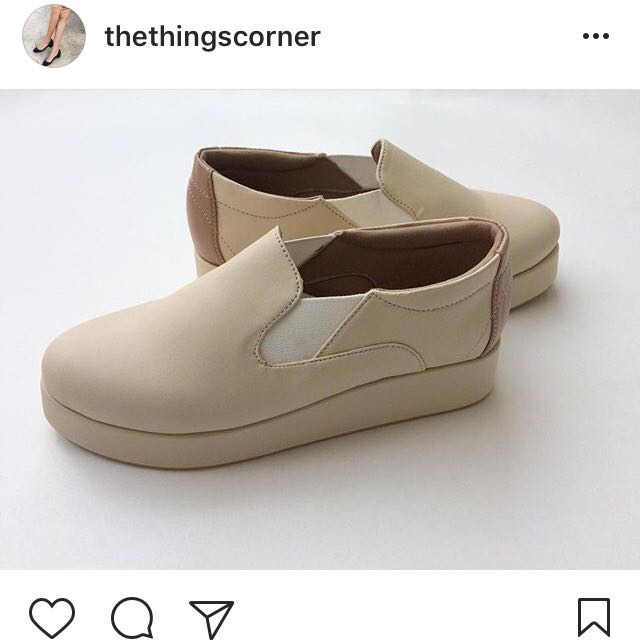 Slip On Cream @thethingscorner
