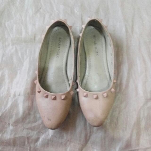 Stud Flat Shoes