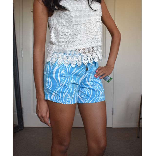 Sz6 BNWT Blue summery shorts