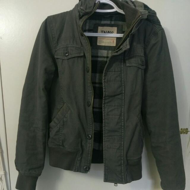 Small Aritzia TNA jacket