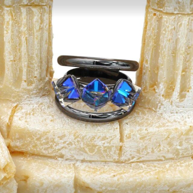 Three Crystals Ring.