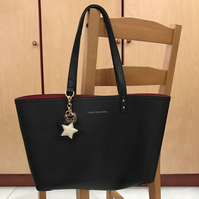 93b5a10c Tommy Hilfiger Reversible Tote Bag, Women's Fashion, Bags & Wallets ...